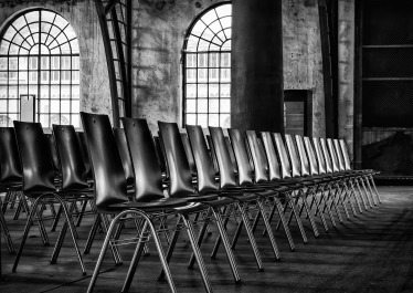 chairs-2593531_1920